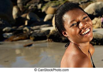 sorrindo, mulher americana africana, praia