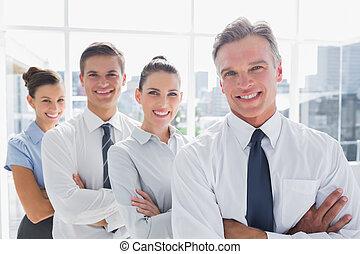 sorrindo, pessoas negócio, ficar, junto, linha