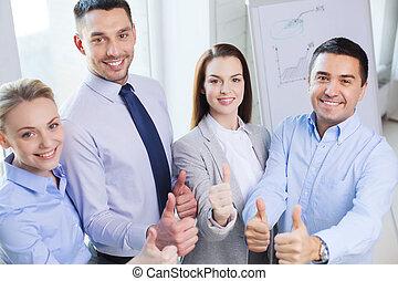 sorrindo, pessoas negócio, mostrando, polegares cima