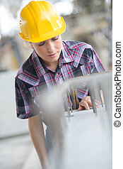 sorrindo, trabalhador construção, femininas