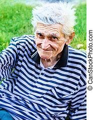 sorrizo, de, um, sênior, homem velho