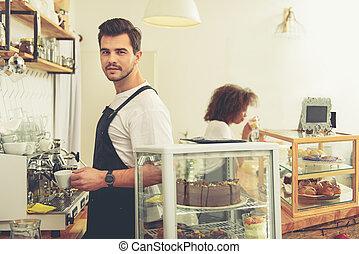 sortant, barista, café, savoureux, confection, commencer, dehors
