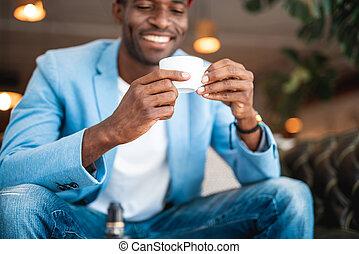 sortant, mâle, café, délassant, tasse
