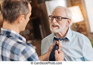 soucier, sien, père, fils, attachement, cravate, personne agee