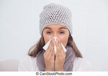 souffler, hiver, elle, brunette, nez, malade, chapeau