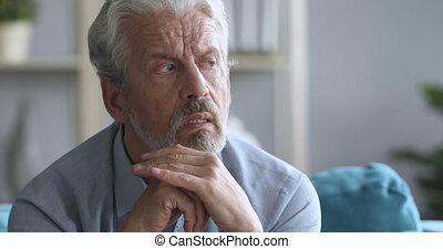 souffrance, depression., homme, mûrir, inquiété, plus vieux