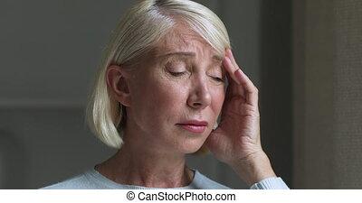 souffrance, nerveux, fort, ache., age moyen, s'inquiéter, femme