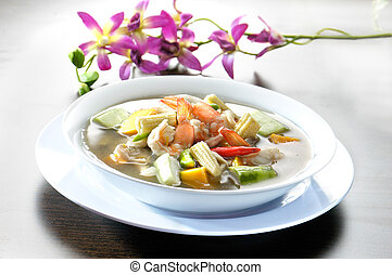Soup with Shrimps and Vegetables