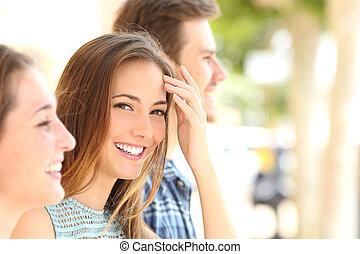 sourire, blanc, femme, amis, beauté