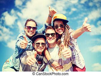 sourire, dehors, lunettes soleil, ados, pendre