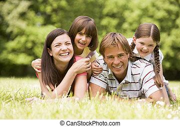 sourire, famille, dehors