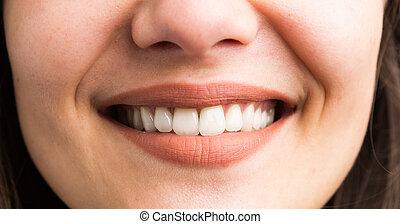 sourire, gros plan, femme, dents