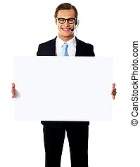 sourire, mâle, opérateur, à, vide, panneau affichage