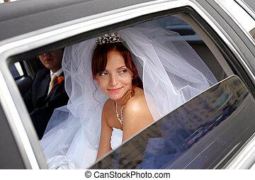 sourire, mariée, à, palefrenier, dans, mariage, limo