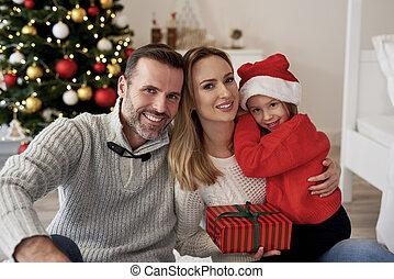 sourire, noël, famille, cadeau, portrait