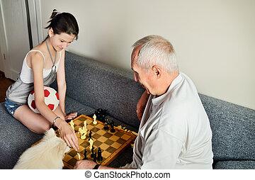 sourire, petite-fille, papy, échecs, jouer