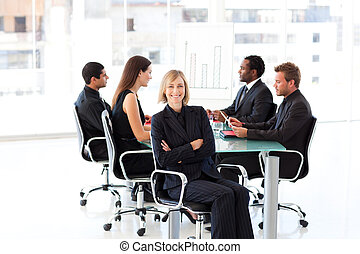 sourire, présentation, séance, femme affaires