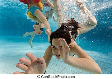 sous-marin, enfants, natation