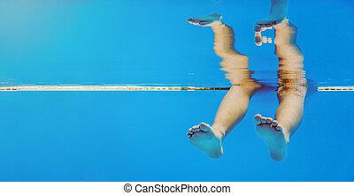 sous-marin, jambes, piscine, natation