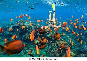 sous-marin, plongeon, girl, snorkeling, poissons, récif, corail, masque