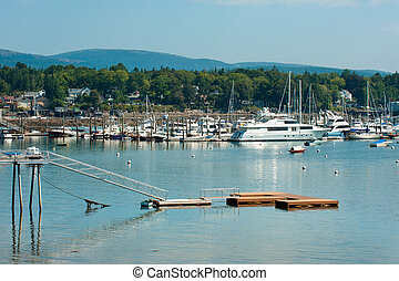 Southwest Harbor, Maine - Yachts and boats in Southwest ...