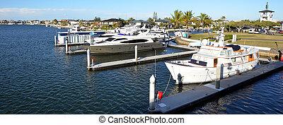 Sovereign Islands Gold Coast Queensland Australia - GOLD...