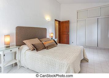sovrum, vit, nymodig, bed., colors.