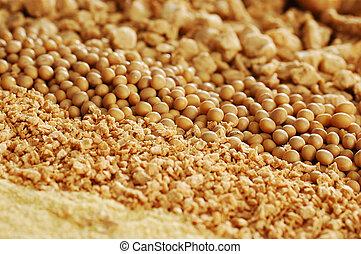 A heap of soya beans