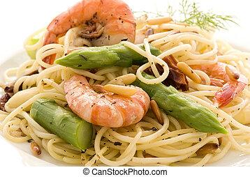 spárga, tenger gyümölcsei, spagetti