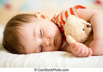 spädbarn baby, sova, med, plysch leksak