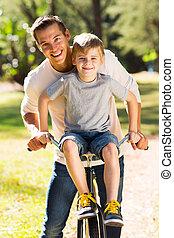 spędzając, ojciec, razem, syn, czas, jakość, szczęśliwy