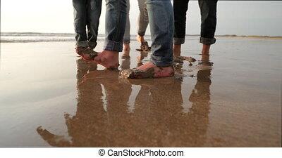 spaß haben, mit, nasser sand
