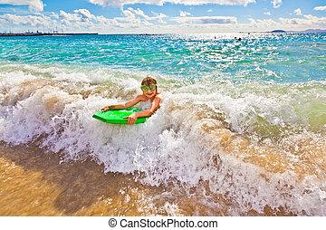 spaß, junge, hat, surfbrett