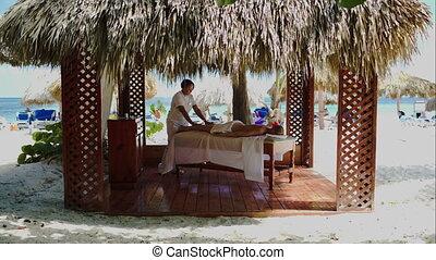 spa behandeling, masseren, in, gazebo, op het strand