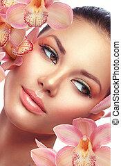 spa., bonito, morena, modelo, menina, retrato, com, orquídea, flores