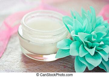 spa, creams/lotions, diariamente, moisturising