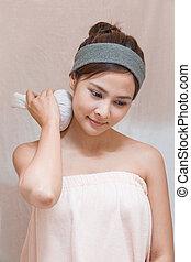 Spa - Herbal compress ball massage in Thai spa