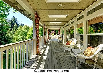 Spacious cozy backyad deck