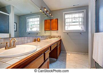 Spacious empty bathroom