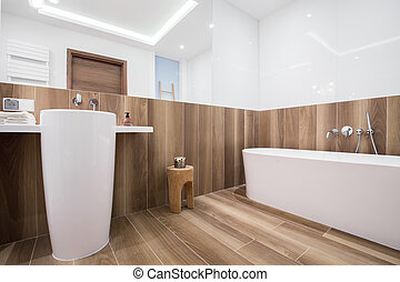 Spacious light bathroom - Photo of spacious light bathroom...