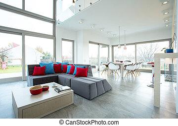 Spacious living room - Spacious luxury living room in big...