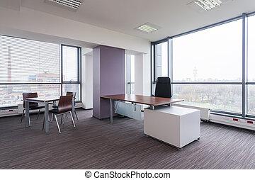 Spacious modern bureau