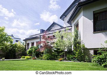 Spacious residence with garden