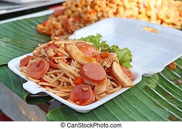 Spaghetti at street food
