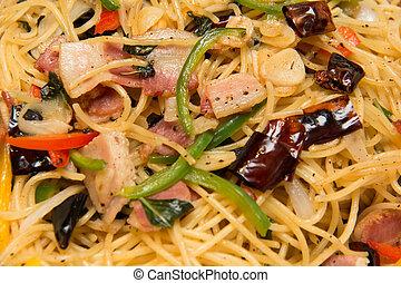 Spaghetti bacon garlic with dry chilli