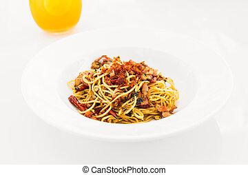 Spaghetti bacon with garlic