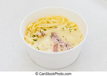Spaghetti Carbonara in the ready to eat lunchbox