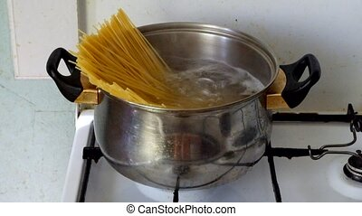 Spaghetti in a boiling water