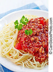 Spaghetti with minced meat and cheese - Spaghetti bolognese ...