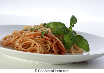 spaghetti with organic home made tomato sauce